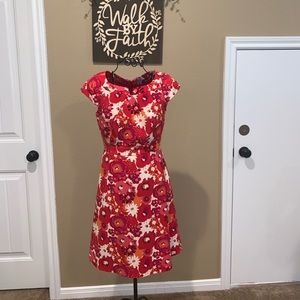 Isabelle DeMarco Tahari Women's 2 Red floral dress
